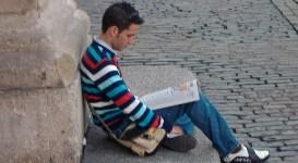 Fer leyendo EL PAÍS en Covent Garden (Londres)